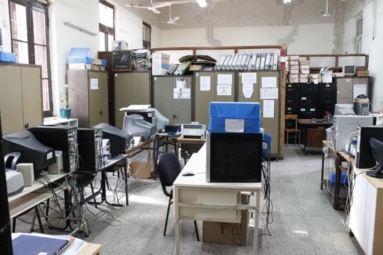 Hoy, esa sala está dividida en dos, allí golpeaban a los detenidos antes de llevarlos a la sala de tortura